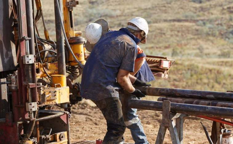 Novo Resources workers